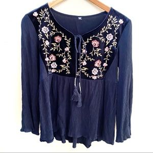 Boho floral blouse size small